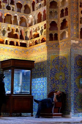 Robur Wohnmobil Iran Ardebil