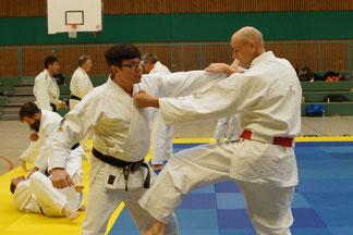 Unser Dirk (5. Dan) trainiert mit René Roese (7. Dan)