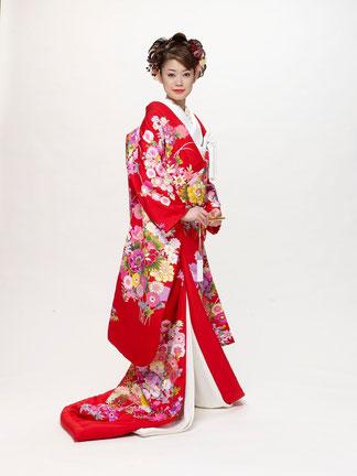 美濃加茂・可児・関で和装のレンタルなら品揃え豊富な「ブライダルサカエ」