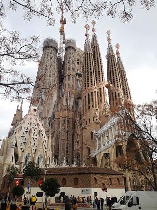 Когда достроят Саграда Фамилия в Барселоне?