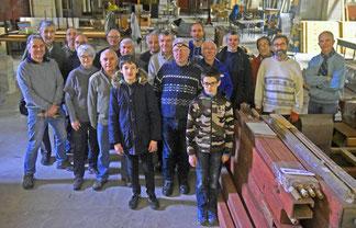 Les bénévoles au déménagement de l'orgue