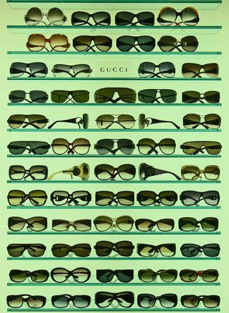 Das Sehen ist abhängig von der Brille, die man aufgesetzt hat.