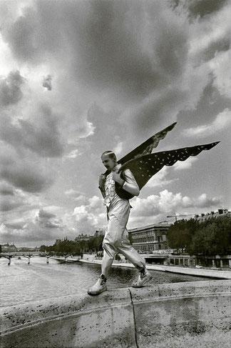 ꧁ ©Pol Lujan, L'ange des Recollets, 1990 ꧂