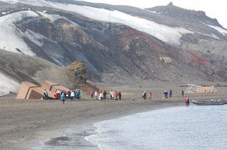 Actividades turísticas en Isla Decepción en la Antártida en 2012
