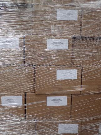 Vier Paletten voller Bücher wurden letzte Woche angeliefert. Eine Herausforderung sie zu verkaufen.