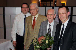 v.l.n.r. Kai Abruszat MdL, Dr. Paul Gehring, Manfred Hambrink, Dirk Stockamp