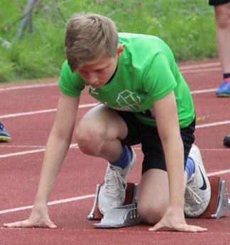 Dominik Mayr war mit vier Medaillen unser erfolgreichster Leichtathlet des Tages