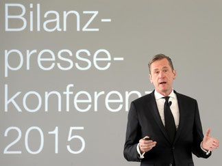 Mathias Döpfner, Vorstandsvorsitzender des deutschen Medienunternehmens Axel Springer SE, spricht auf der Bilanzpressekonferenz des Verlages in Berlin. Foto: Wolfgang Kumm