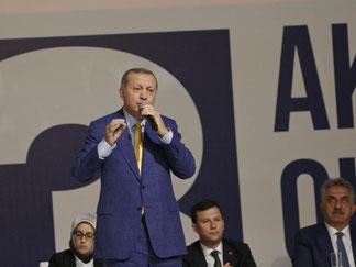 Erdogan übte in der letzten Zeit zwar weiterhin Kritik an der EU, aber nicht mehr so stark wie im Wahlkampf vor dem Verfassungsreferendum. Foto: Burhan Ozbilici