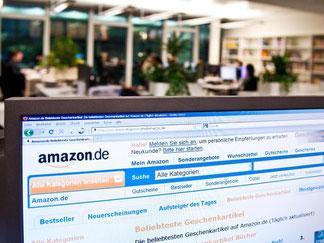 Online-Shopping während der Arbeitszeit: Das kann die Kündigung zur Folge haben. Vorher muss der Arbeitgeber jedoch eine Abmahnung aussprechen. Foto: Andrea Warnecke