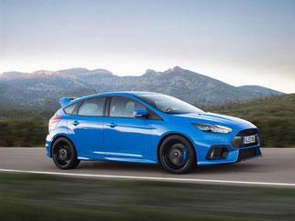 Klassisch blau: Der neue Ford Focus RS. Foto: Ford