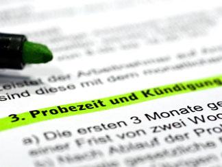 Wie eine zusätzliche Probezeit: Mit der verlängerten Kündigungsfrist dürfen Arbeitgeber ihren gekündigten Mitarbeitern eine Chance zur Bewährung geben. Foto: Jens Schierenbeck