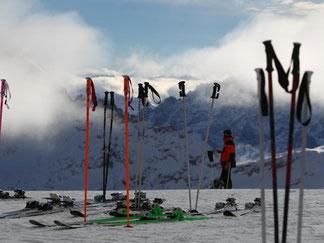 Die Skisaison auf der Zugspitze ist schon eröffnet. Weitere Skigebiete folgen nun. Foto: Karl-Josef Hildenbrand