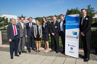 Von Links: Siegfried Rauer (WFG Werra-Meißner), Landrat Dr. Michael Koch, Holger Schach (RM Nordhessen), Astrid Szogs (mowin.net), Katharina Gutzeit (wortreich), Bernd Rudolph (WFG HEF), Mirko Glich (WFG Wartburgkreis) und Markus Oeste (RM Nordhessen)