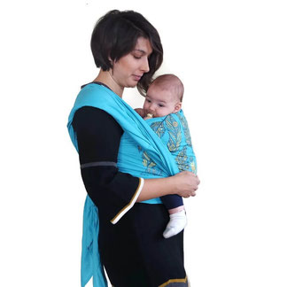 Носене на бебе в тъкан слинг шал Shushulka