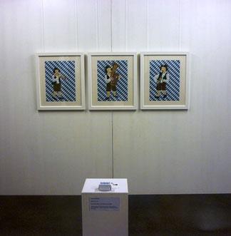 Installation mit 3 genähten Kunsquilts und einer Drehorgel von Jutta Kohlbeck