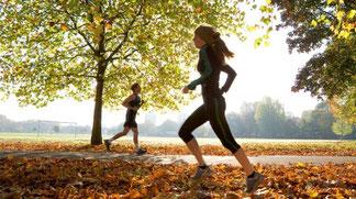 Movimento e dieta: 6 esercizi facili per dimagrire, da fare a casa