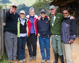 Kate und ihr Forscherteam (Foto: Kate Stewart)
