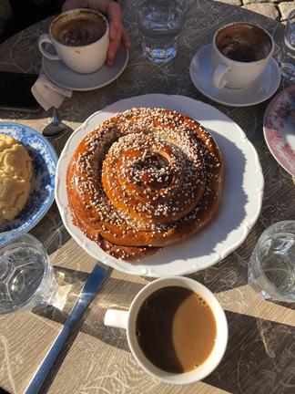 Typisch schwedische Fikas hat Konrad täglich erlebt, hier in einem Café in  der schwedischen Metropole Göteborg.