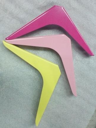 équerre pour étagère coloris jaune, rose et télémagenta