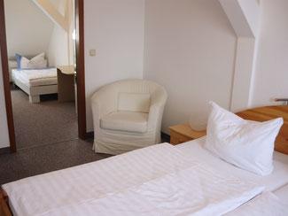 Familienzimmer Hotel Krone Lindow bei Neuruppin, Kremmen, Rheinsberg, Oranienburg, Berlin