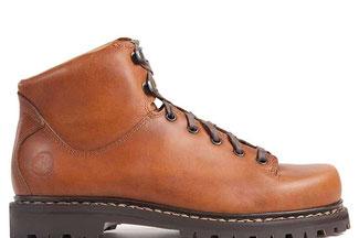 Martha ist ein moderner Haferl Schuh für Frauen. Leicht und robust. www.the-golden-rabbit.de