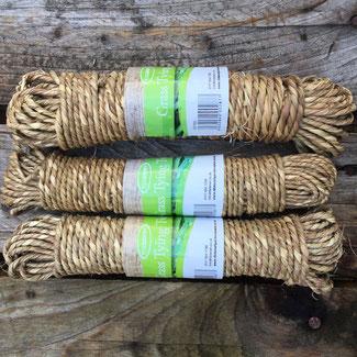 Grobes Grassband für Bindearbeiten im Garten bei www.the-golden-rabbit.de