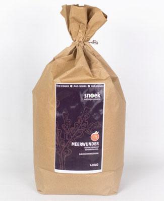 Snoeks Seetang Granulat ist ein perfekter biologischer Dünger zur Regenerierung ausgelaugter Böden . www.the-golden-rabbit.de