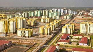 """L'impressionante veduta di una delle """"Città Fantasma"""" costruite dai cinesi in Africa"""