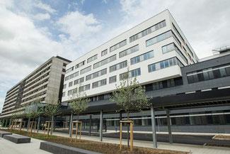 Kliniken der Stadt Köln // Köln-Merheim