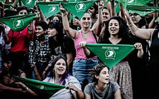 Carolina Vásquez Araya   Los pañuelos verdes