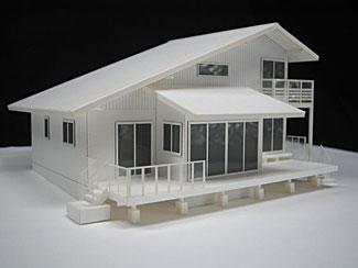 1/100スケールの白い住宅模型