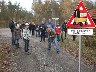 Boßeln ist ein Wintersport das zu jedem Wetter durchgeführt werden kann.  In der Region Celle  wind das Boßeln im Winterwald durchgeführt