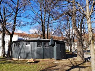 Sanierter und grau gefärbter Rund-Pavillon, Erzherzog-Johann-Allee 2. © Reinhard A. Sudy