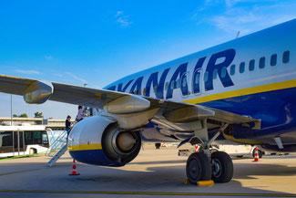 Ryanair, Flugzeug, Karlsruhe Airport, Edinburgh Airport, Die Traumreiser
