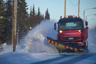 Lappland, Finnland, Finnisch Lappland, Die Traumreiser, Winterdienst, Schneepflug, Reisetipps