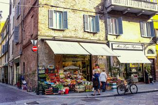 Parma, Italien, Verkaufsstand, Lebensmittel, Die Traumreiser
