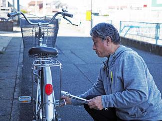 自転車各部位を動作状況を点検