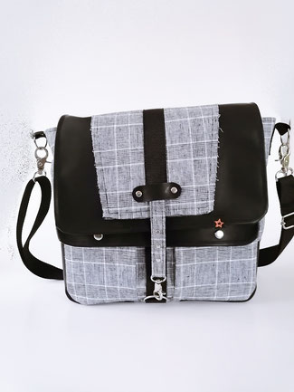 Umhängetasche und Handtasche, Jacquard Leoprint mit Tiger, Kunstlederklappe, Unikat, Handmade