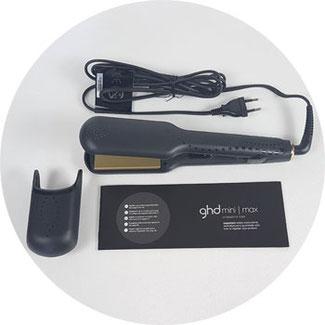 Verpackungsinhalt: GHD Glätteisen Gold Max, Kappenschutz, Bedienunganleitung