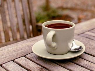 Kaffee eine Tasse inklusive