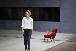 Hier ist ein Porträt von Elke Prühlinger, personzentrierte Psychotherapeutin in Ausbildung unter Supervision. Wenn Sie darauf klicken kommen Sie zu den Kontaktdaten.