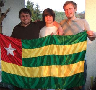 Christian Steigerwald,Jonas Franz und Valentino Adlberger vor der Abreise nach Togo