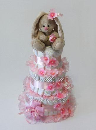 Нежный подарок для новорожденной девочки . Торт из памперсов.