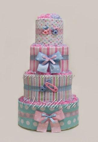 Подарок для новорожденных малышей двойняшек - стильный торт из памперсов с пелёнками.