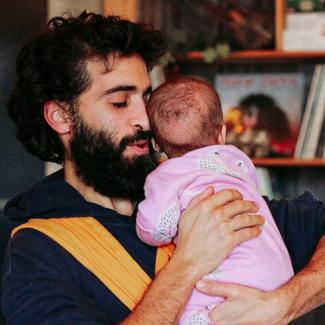 draagpapa babydragen newborn rekbare doek buikdragen bam&boe