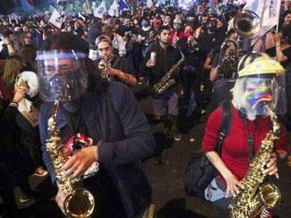 Jubeloptog i Santiago de Chile efter folkeafstemningen