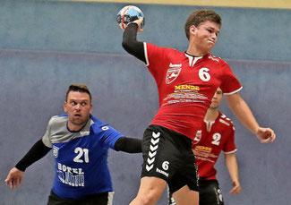 Der junge Spielmacher Jonas Galle zeigte mit dem MBSV in der Wiesenburger Halle eine tolle Verbandsliga-Leistung. Foto: Dirk Fröhlich