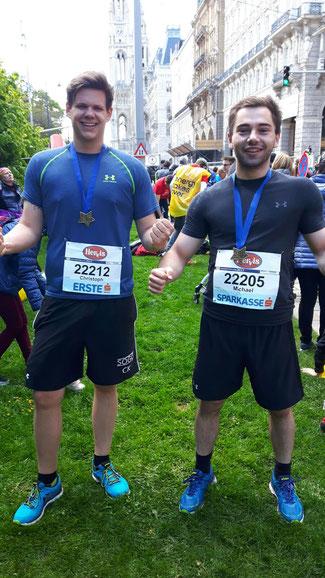 Michael Kufmüller (r.) und der Höbersdorfer Christoph Kaiser liefen den Halbmarathon in Wien. Foto: Privat