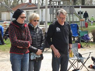 Karl Hahlbohm mit Angela Hahlbohm und Burga Schumacher